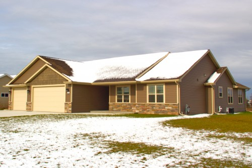 W6724 Design Dr, Greenville. WOW! 3BR – 2.5BTH – Many upgrades!!