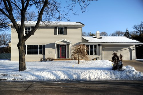 3208 Crestview Drive Appleton Wisconsin 54915—–$220,000
