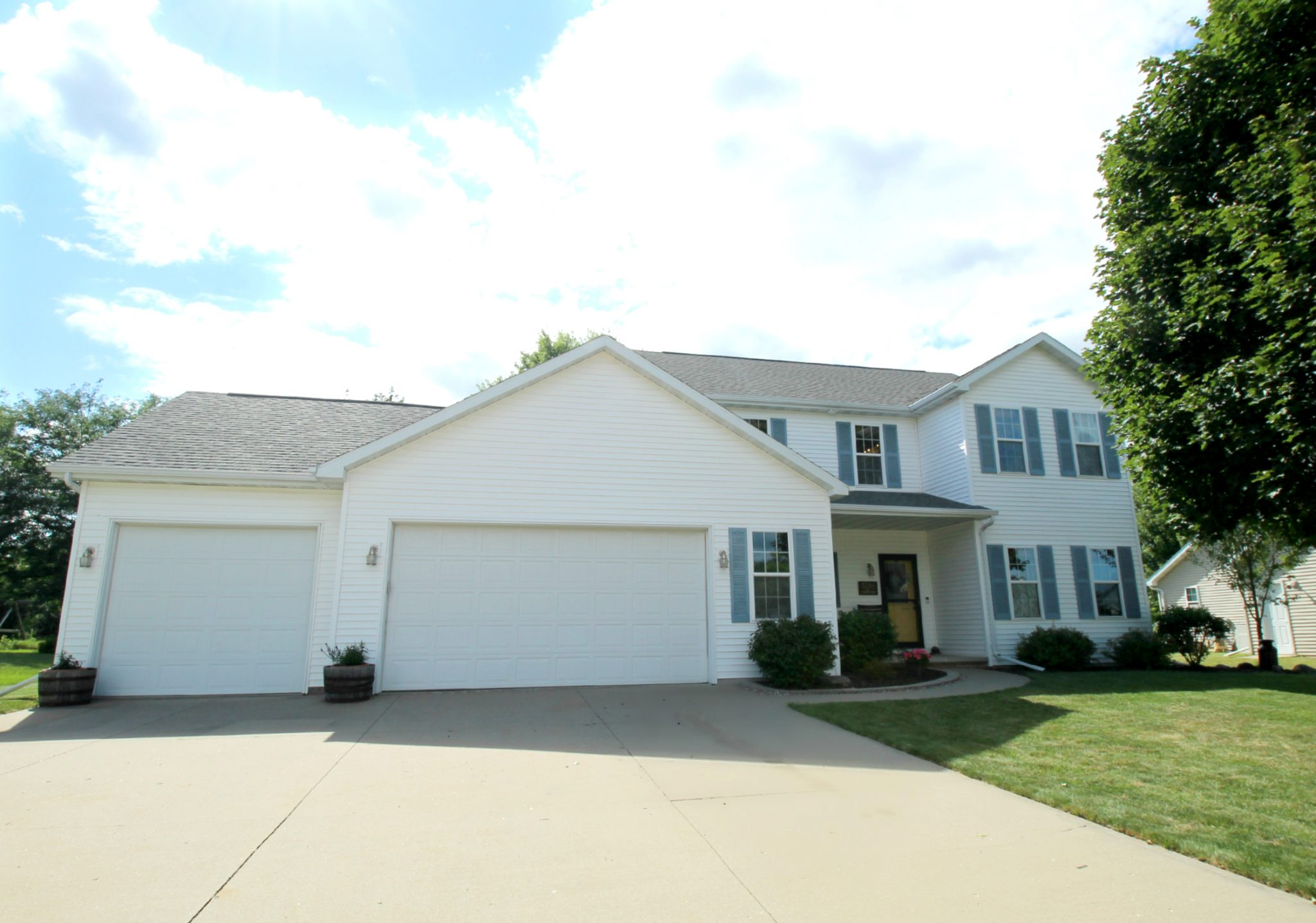 1786 Spring Hill Ct, Neenah